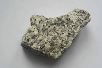 Granit strzegomski bryła