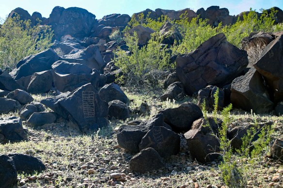 More Petroglyphs... Click on picture to expand in new window.
