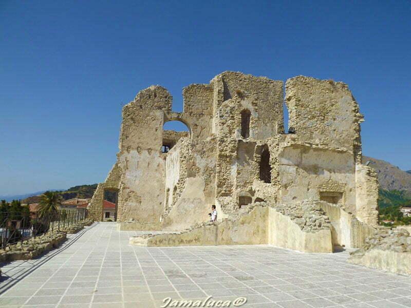 Fiumefreddo Bruzio - Castello della Valle
