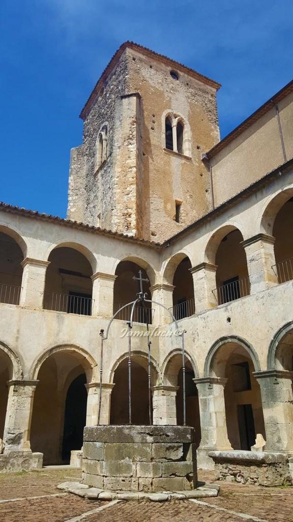 Altomonte - Chiostro del museo civico nell'ex convento domenicano