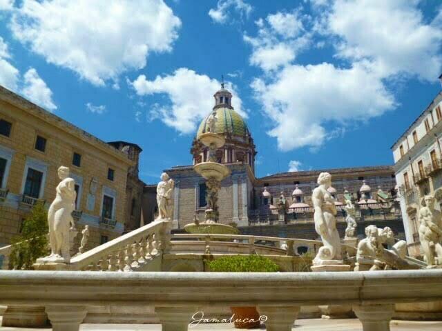Piazza Pretoria Kalsa Palermo