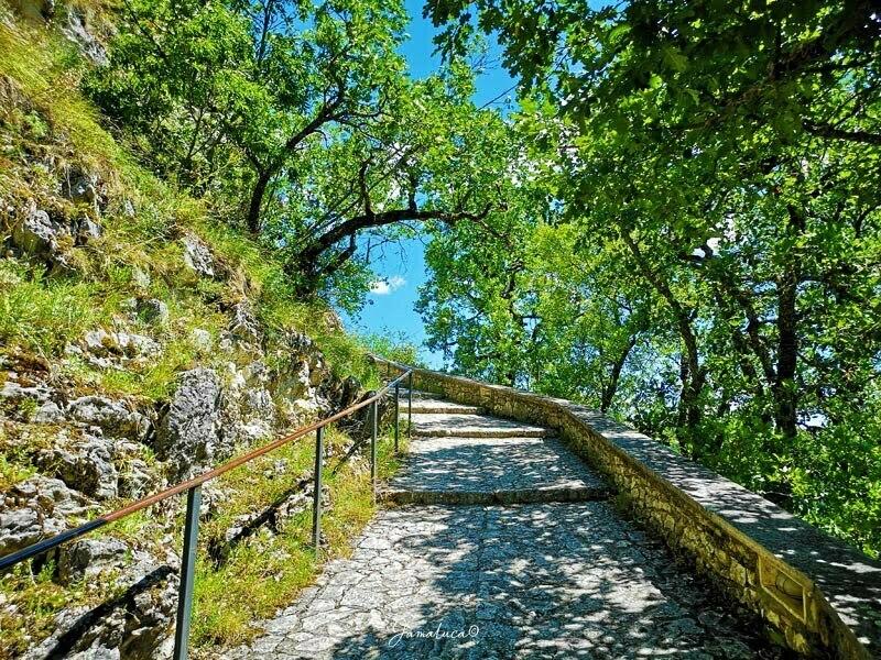 Sentiero dello Scoglio Sacro di Santa Rita Roccaporena