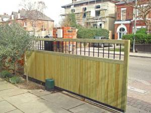 The Rye Top Tracked Sliding Gate