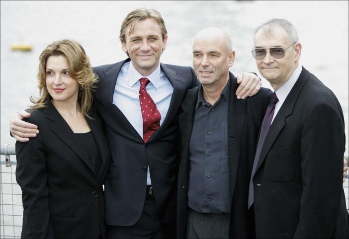 Barbara Broccoli, Daniel Craig, Martin Campbell e Michael G. Wilson © WireImage