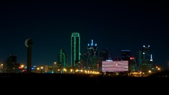 11 365-241 Dallas Skyline Meetup-half moon-20120825©JamesECockroft