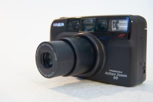 Minolta Freedom Action Zoom 90 @90