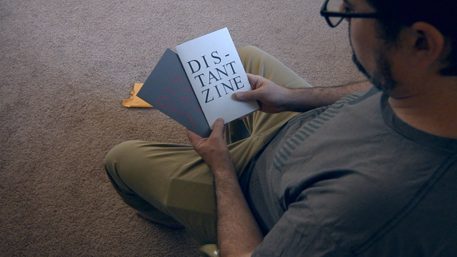 Unboxing-Distant-Zine-1-and-2