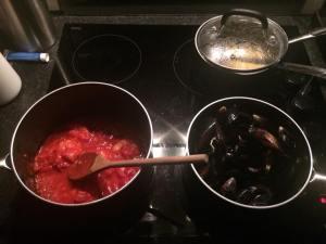 Seafood linguine prep