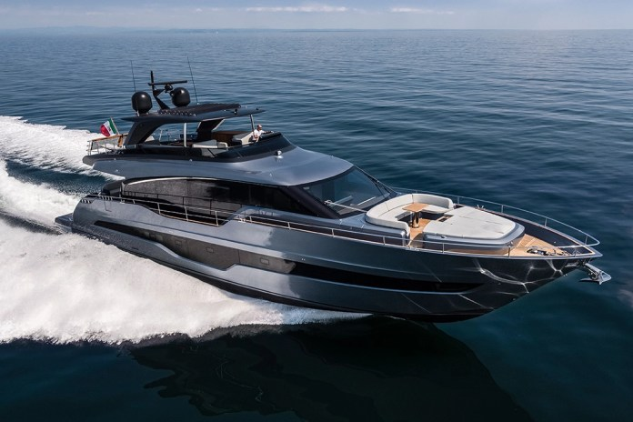 Best American yacht brands and fancy yachts.