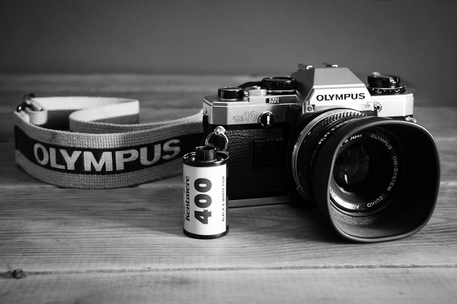 Olympus OM10 + Kentmere 400 on a Wee Walk Down the Road