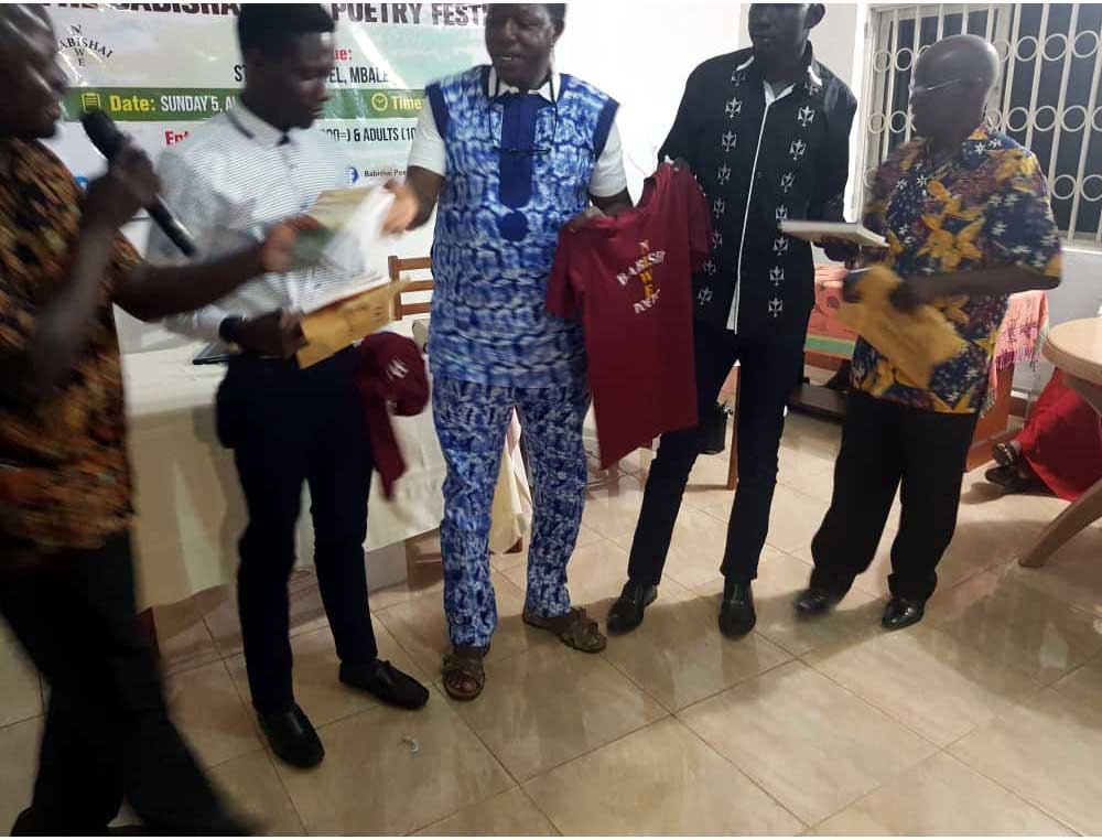 Marial Awendit receives the Babishai Poetry Prize 2018.