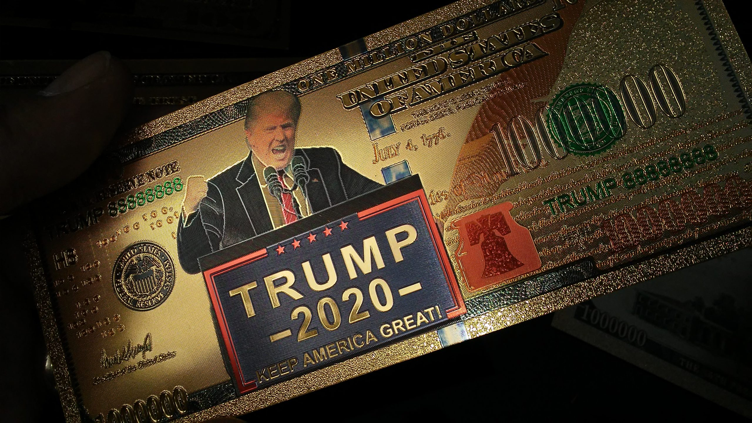$1 MILLION DENOMINATION 24K GOLD 'TRUMP 2020' BANK NOTES w/ 24K Gold Certificate Of Authenticity Sleeve