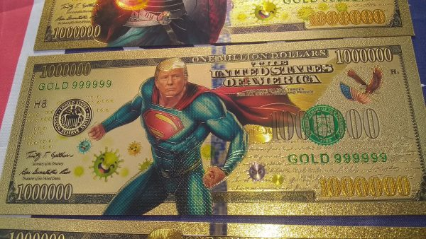 AUTHENTIC 24K GOLD 8 PC SUPER HERO TRUMP BANK NOTE COLLECTOR'S SET w/ Certificate Of Authenticity – NEW ITEM!