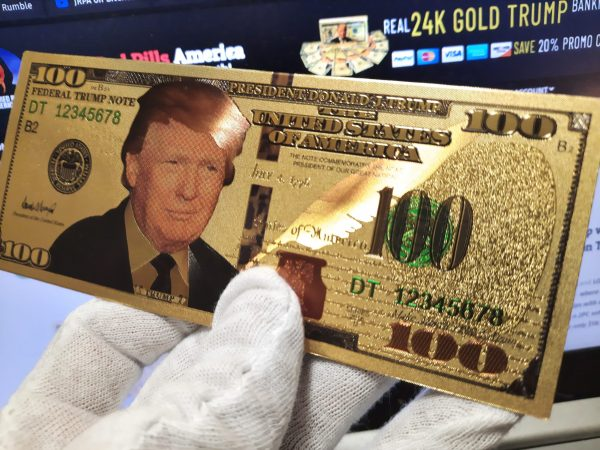 Show your support for President Trump with these AWESOME 2PC 24K Gold $100 Denomination Trump Banknote Refrigerator Magnet sets, includes a separate 24K Gold Certificate of Authenticity!