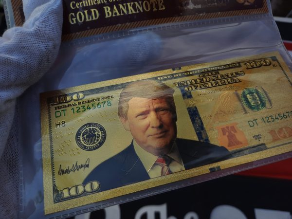 AUTHENTIC 24K GOLD DONALD TRUMP $100 BANKNOTE w/ COA SLEEVE