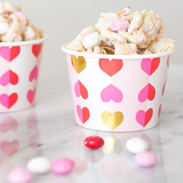 Valentine's Day snack mix, White Trash mix, food blog, Treats and Trends