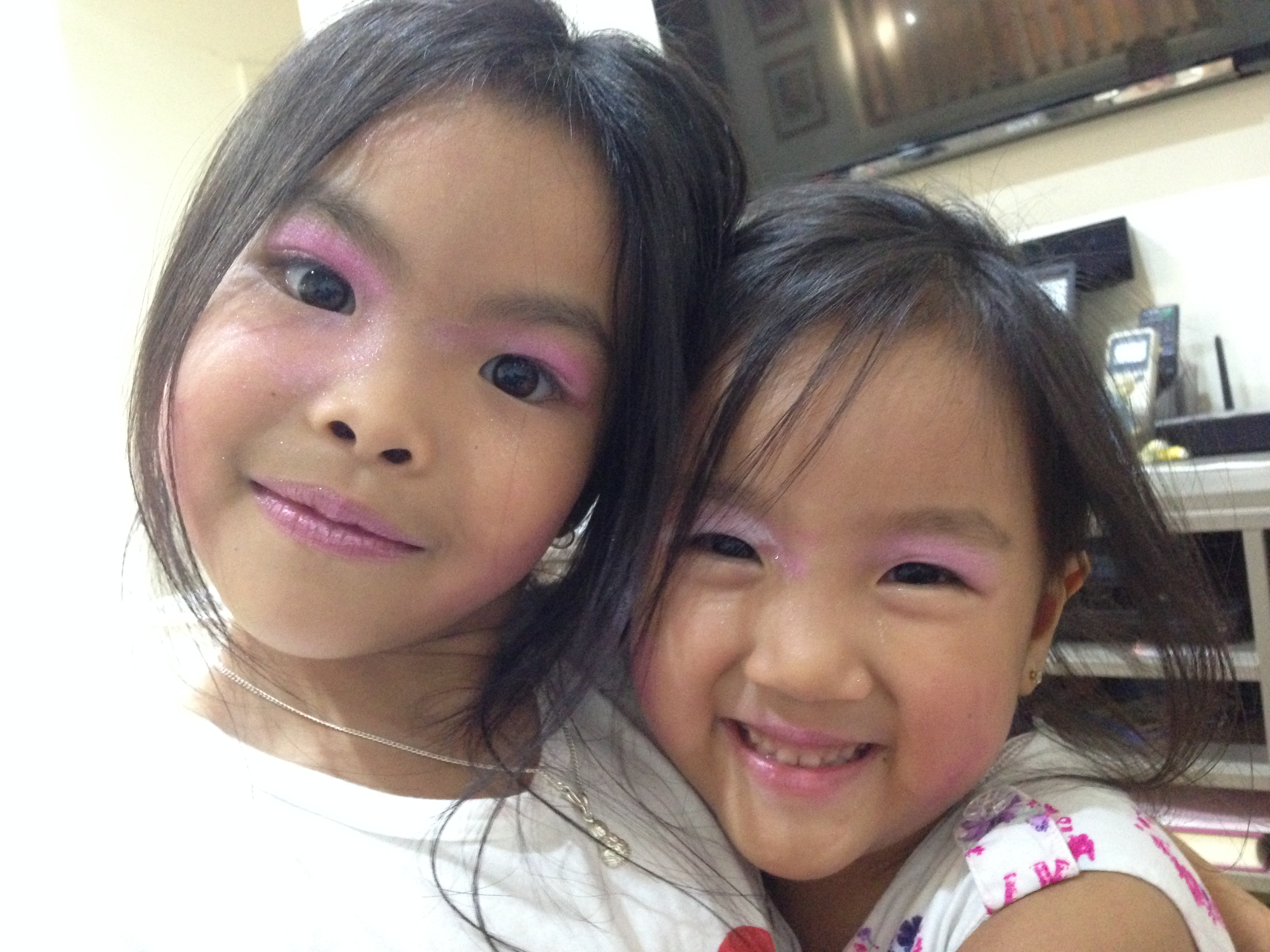 If you think the ingredients in adult makeup are scary, wait till you check out the kids makeup and face paints. Kids love to dress up, put makeup on and ...