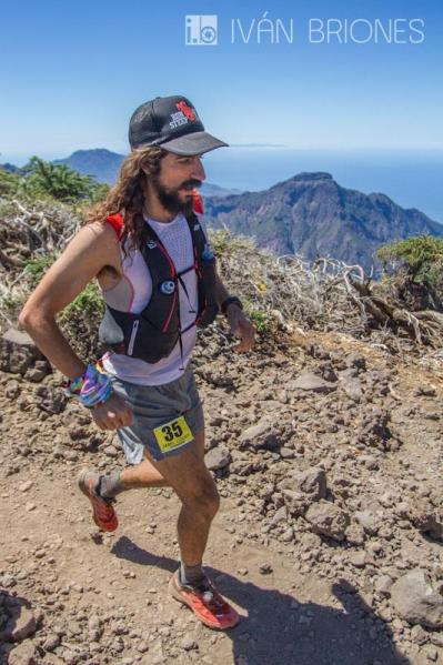 Running atop La Palma. (Photo: Ivan Briones)