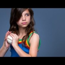 AWESOME VIDEOS: Run Like a Girl