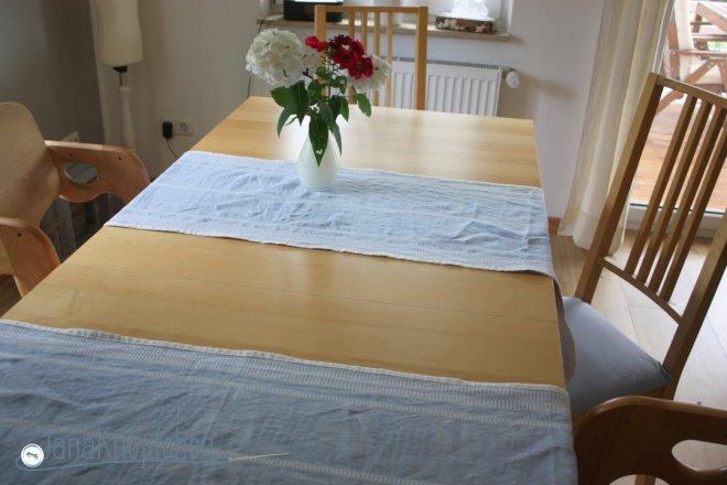 Tischläufer nähen für ein schwedisches Eßzimmer. JanaKnöpfchen - Nähen für Jungs