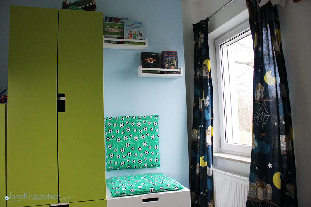 diy leseecke mit selbstgen hten kissen f r jungs. Black Bedroom Furniture Sets. Home Design Ideas