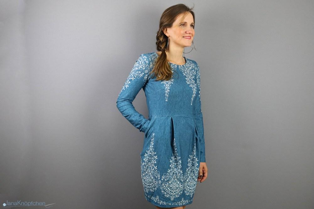 Blogpost Kleid Chloe in Jeansoptik nähen. JanaKnöpfchen - Nähen für Jungs