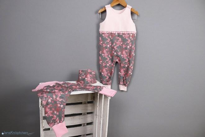Geschenk zur Geburt nähen. Geschenkeset bestehend aus Strampler, Pumphose und Tuch. JanaKnöpfchen - Nähen für Jungs