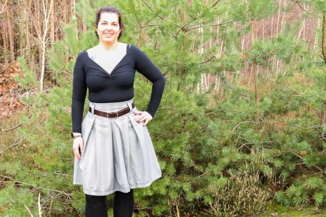 Selbstgenähte Faltenrock aus Glencheck für Frauen. JanaKnöpfchen - Nähen für Jungs