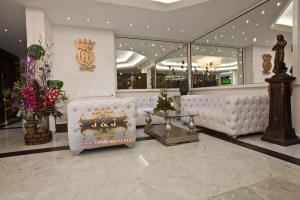 Отель Queens land, Джуни