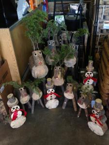 handcrafted christmas decor-https://www.jandnfeedandseed.com