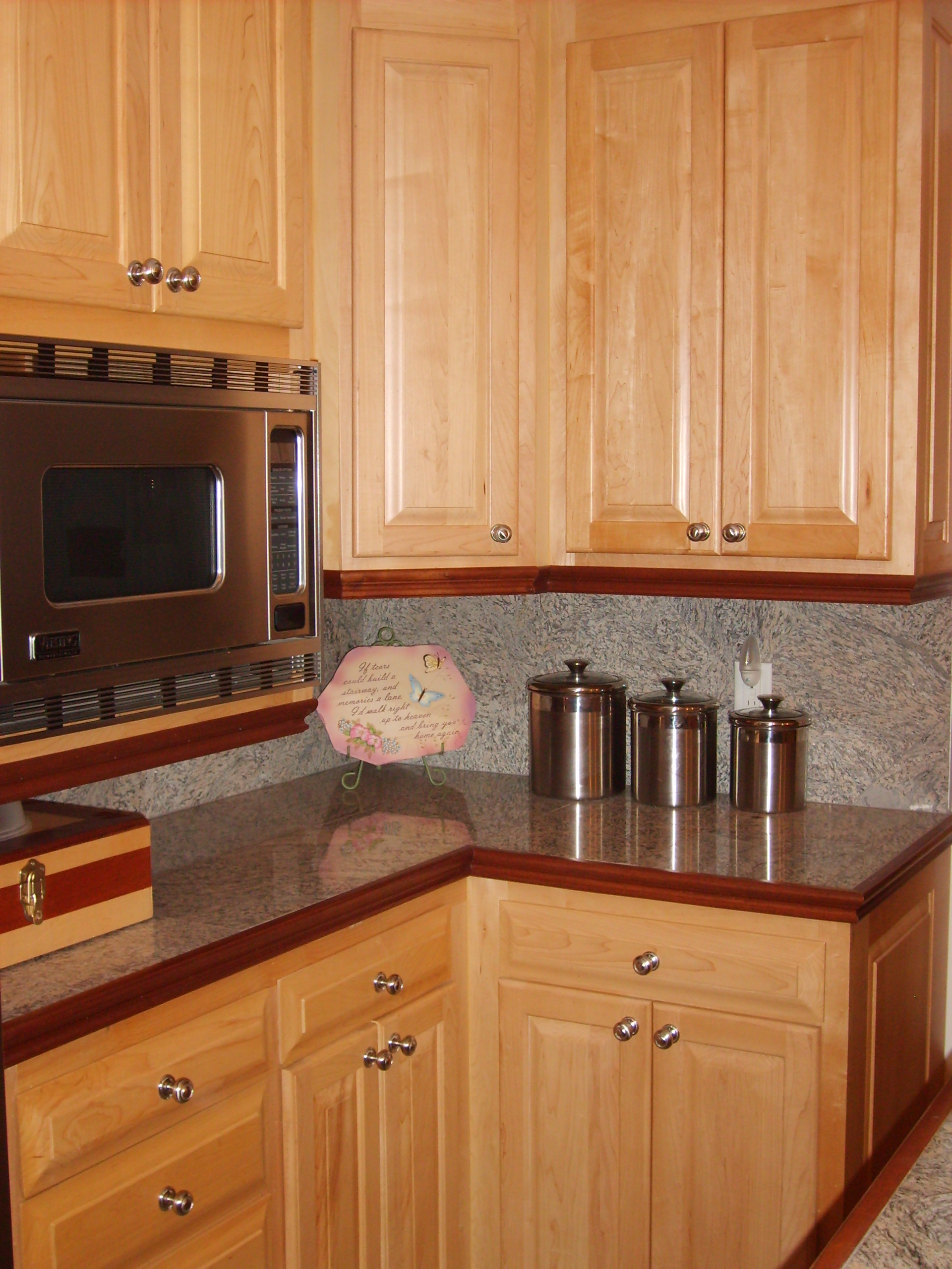 MAPLE Cabinets — 336-342-9268 — J & S Home Builders and ... on Maple Cabinets  id=78963