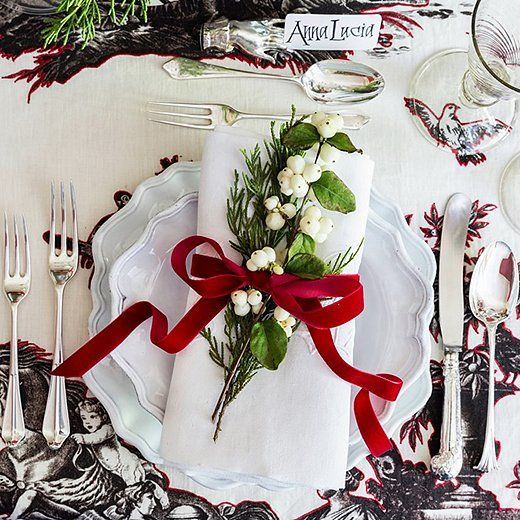 25 Beautiful and Inspiring Holiday Table Setting Ideas