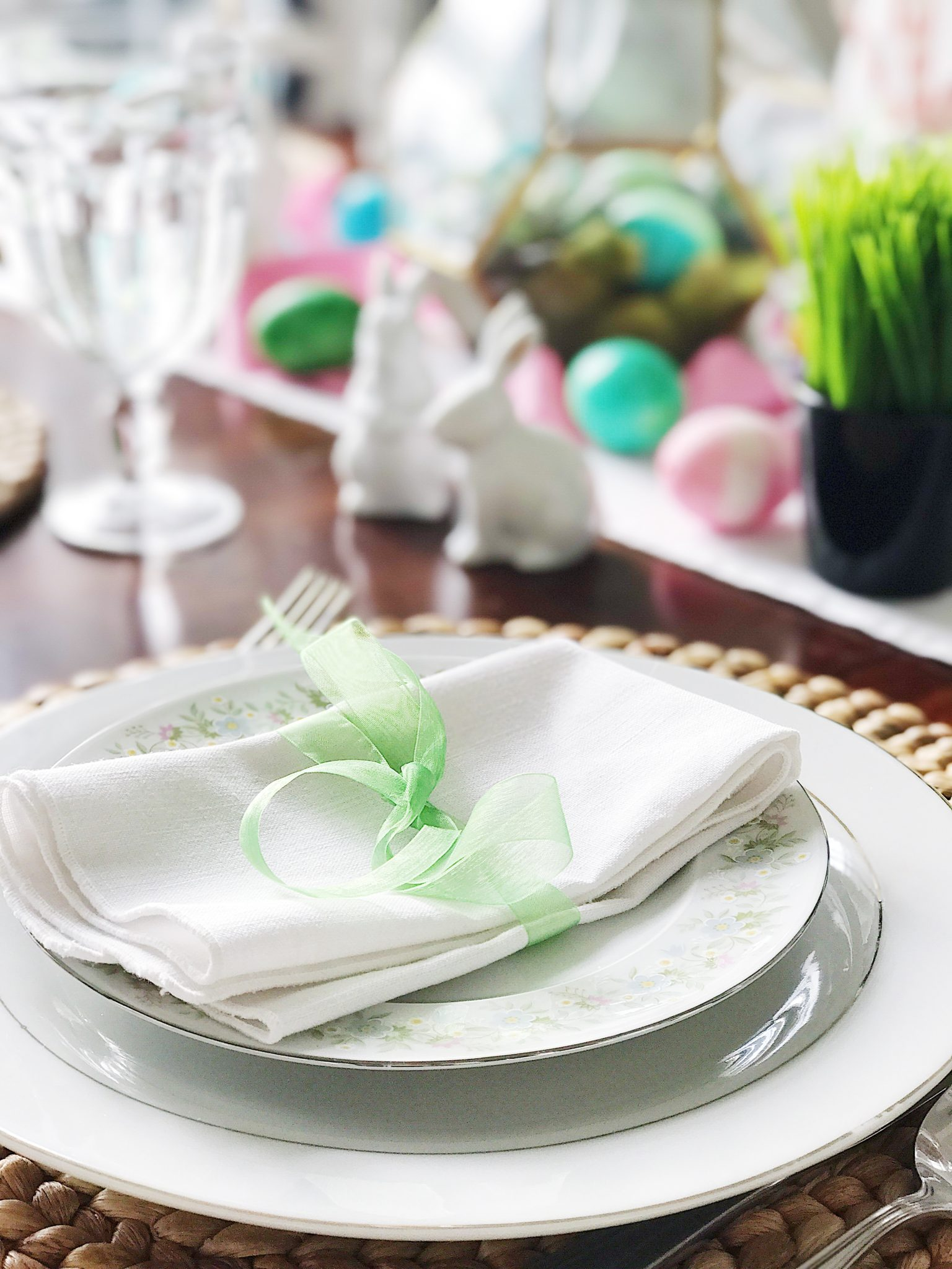 Simple, Fresh and Pretty Springtime and Easter Table Setting Ideas ...