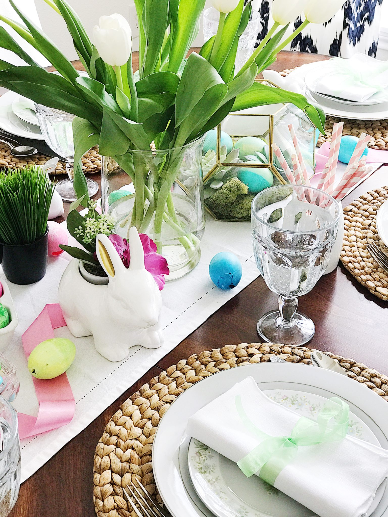 Simple Fresh and Pretty Easter and Springtime Table Setting Ideas & Simple Fresh and Pretty Springtime and Easter Table Setting Ideas ...
