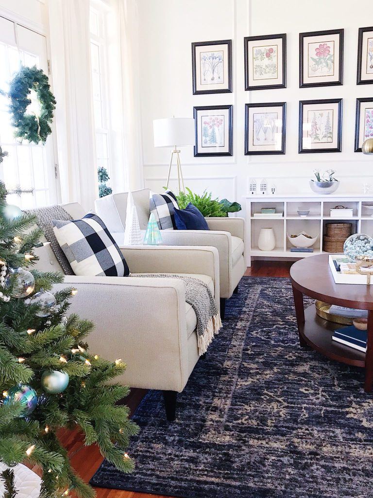 Blue and White Christmas Home Tour + Easy Christmas Decorating Tips ...