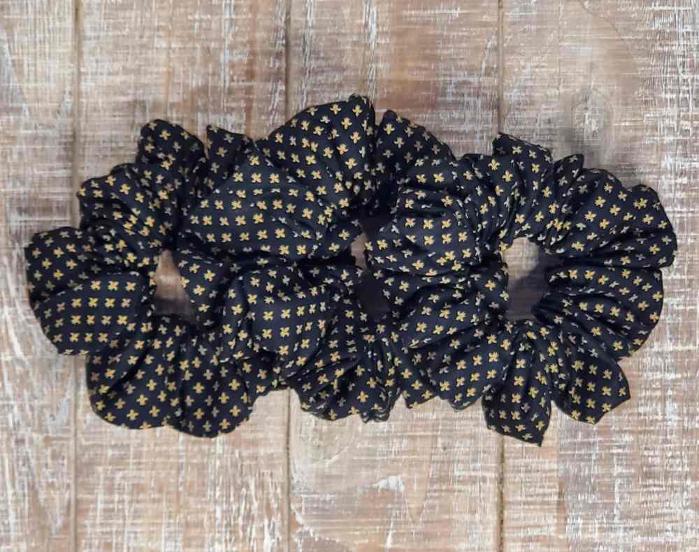 Black and gold fleur de lis scrunchie