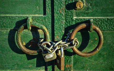 Closed for Business / Maistora / Flickr