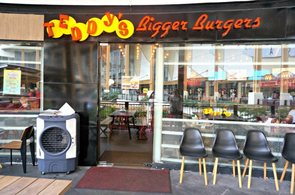 teddys-bigger-burgers-greenebelt-90