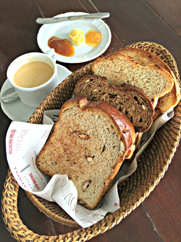 Breakfast-at-Antonios-98