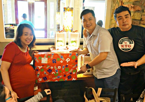 chilis-grill-bar-baby-shower-the-food-alphabet-24