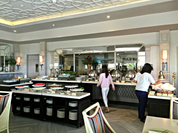 taal-vista-hotel-taza-fresh-table-47