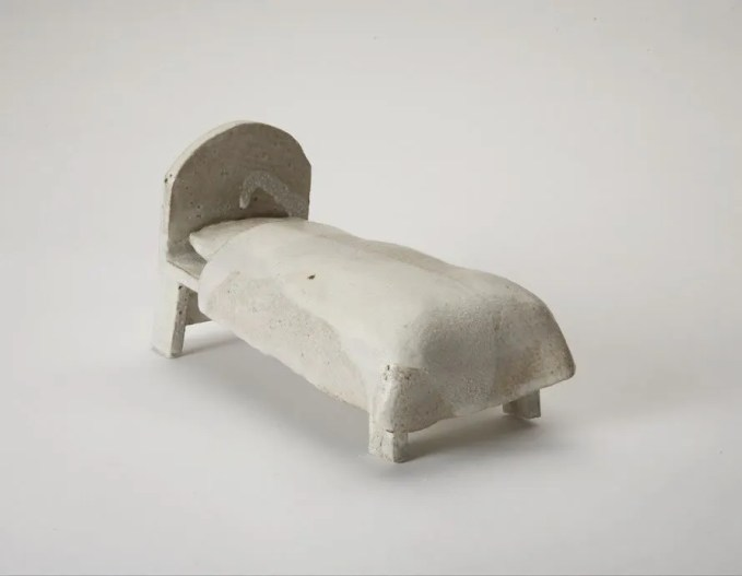 jane muir ceramics bed