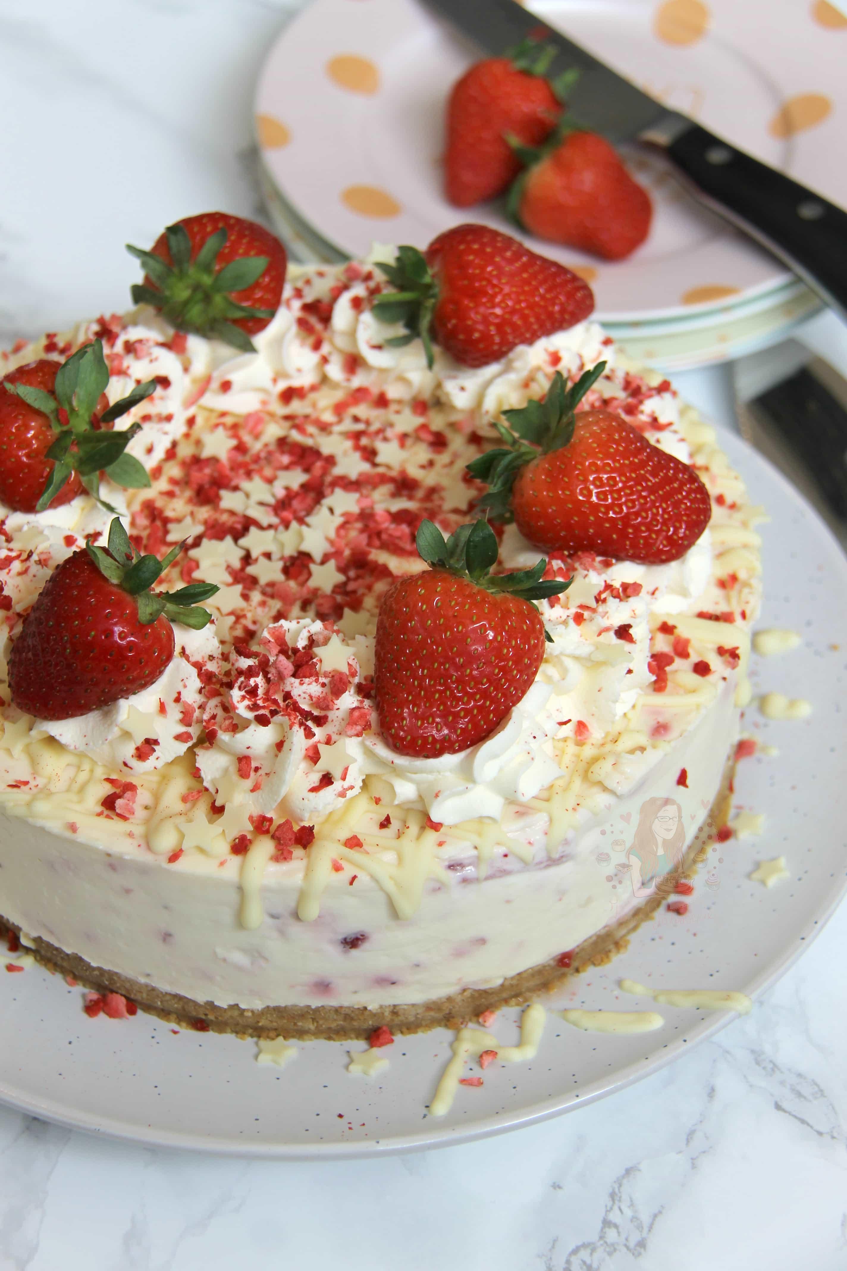 No-Bake White Chocolate & Strawberry Cheesecake! - Jane's Patisserie