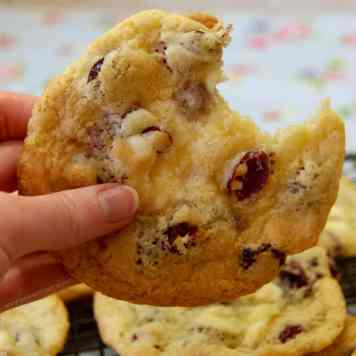 White Chocolate & Cranberry Cookies!
