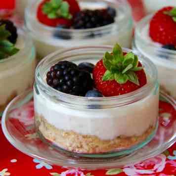 Skinny Mini Cheesecakes