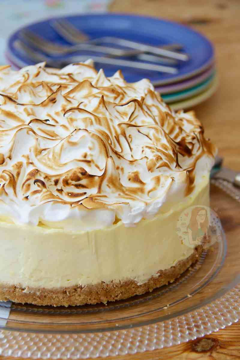No-Bake Lemon Meringue Cheesecake!