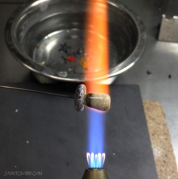 Making a lampwork mushroom - janetcrosby.com