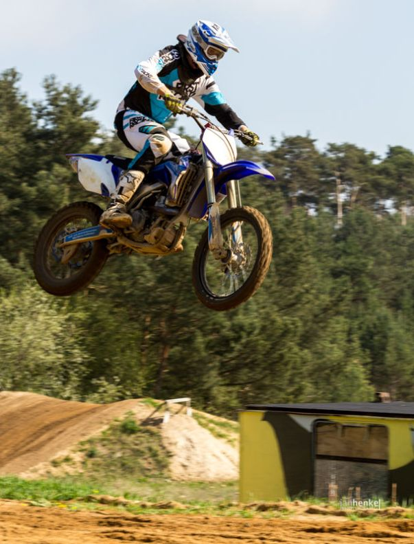 Motocross TB April-9