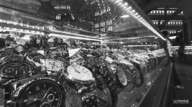 Im Zentralmarkt - Uhrenimitate