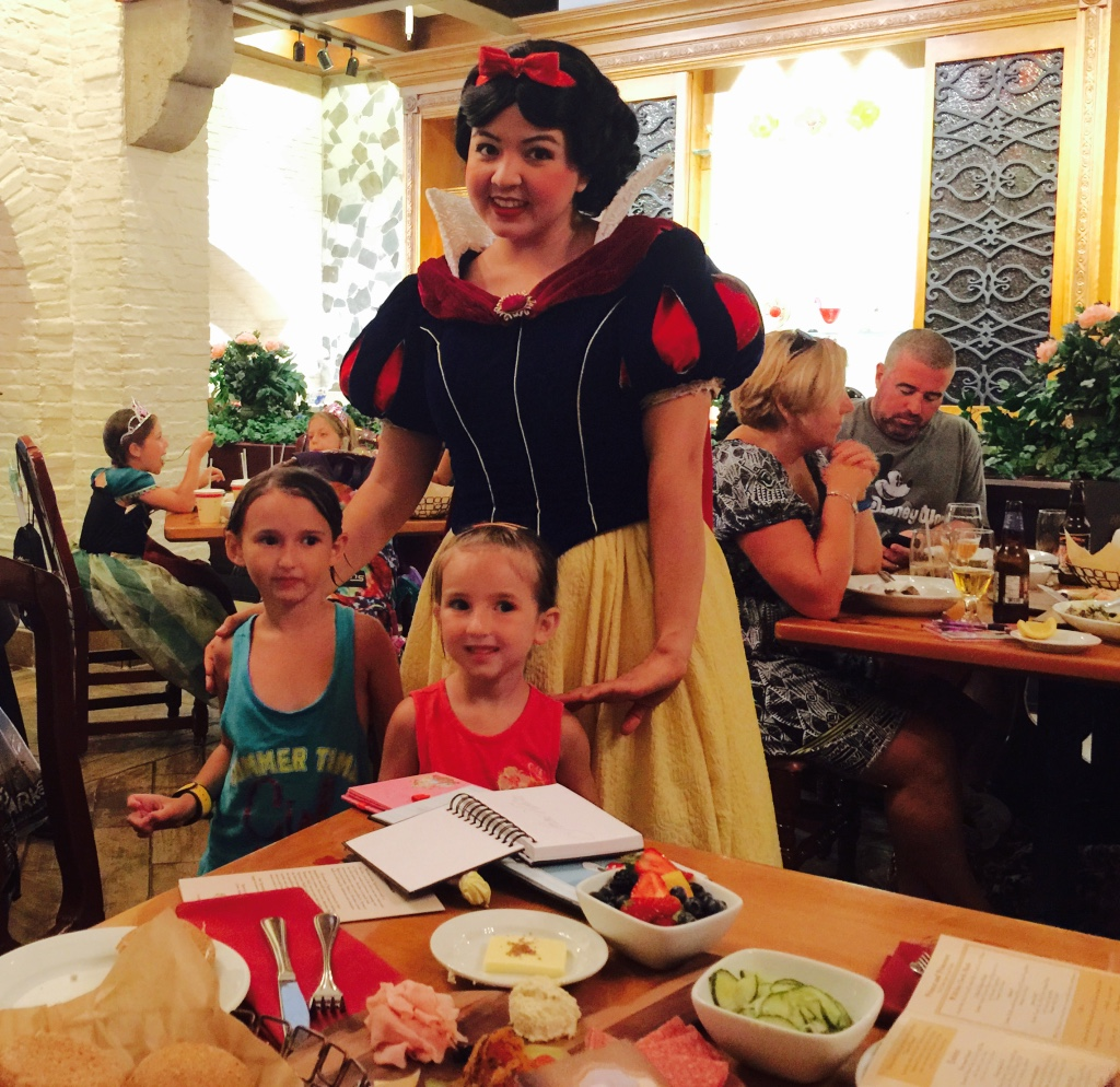 Girls and Snow White at Akerhaus in Epcot